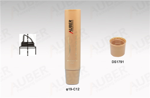 D19mm Customized Lipgloss Tube with Screw On Cap